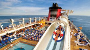 Work and travel on board cruises around the world 4